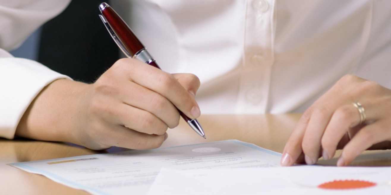 Notary signs document